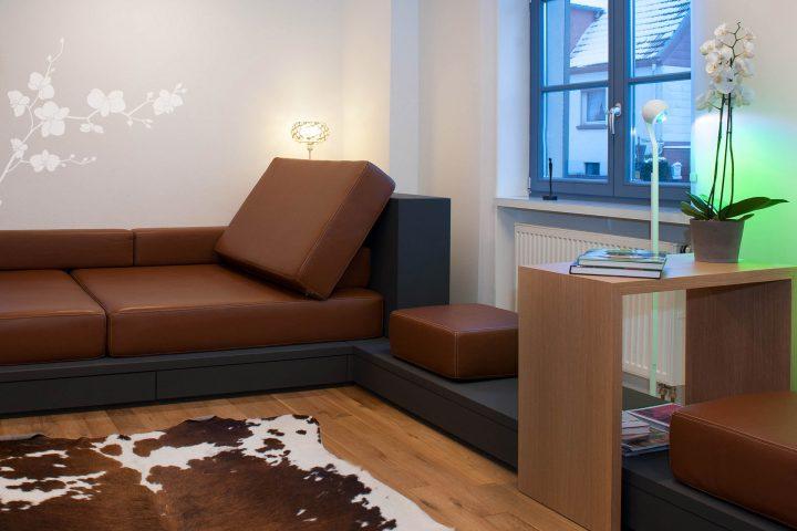 Modernes Sofa im Wohnbereich