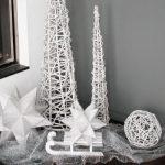 Stilvolle Weihnachtsdeko - puristisches Ensemble in Weiß