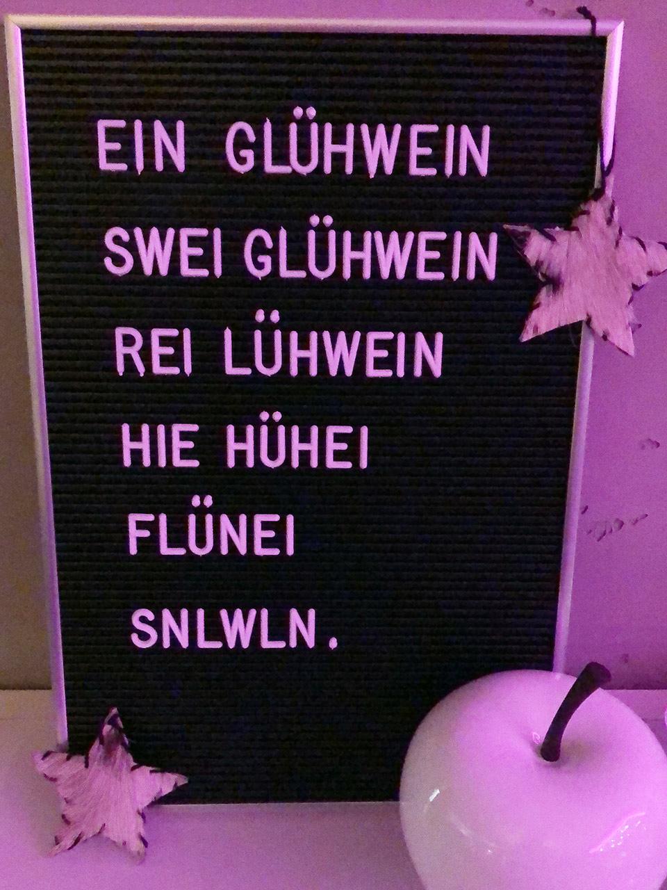 Tafel mit Buchstaben lustig